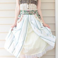 Shabby chic striped apron