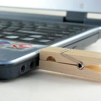 INFMETRY:: Wooden Clip Flash Memory - USB Flash Drives - Electronics