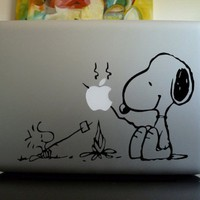 Apple Macbook Vinyl Decal Sticker - Snoopy and Woodstock Campfire