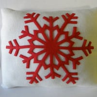 Red Snowflake Pillow  on Luulla