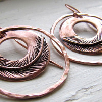 Round Etched Copper Feather Earrings Design by RootsJewelry