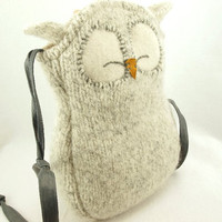 Owl Shoulder Bag Wool Messenger Bag in Light Grey by ForMyDarling