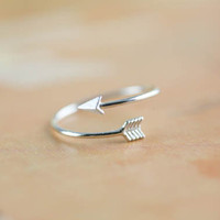 arrow ring in silver