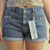 High Waisted Shorts Size 8 Studded Levi&#x27;s Cuffed Denim Shorts Milky Fr3sh &quot;Megan&quot;