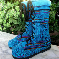 Britta Women&#x27;s Combat Boots In Blue Batik