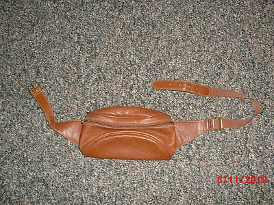 Coach Purse Authentic Coach tan fanny pack! *RARE* VINTAGE* Great Condition.
