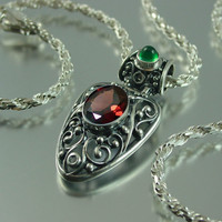 GERTRUDE silver pendant with Garnet and Chrysoprase