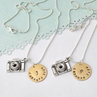 Camera Necklace, Personalized Initi.. on Luulla