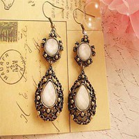 Hollow Jewel Earring