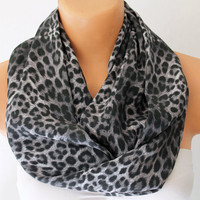 Infinity Scarf Loop Scarf Circle Scarf Cowl Scarf Soft and Lightweight Grey Leopar Patten
