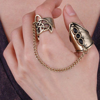 Linked black stones ring