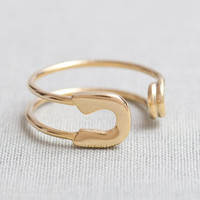 Safety Pin Ring In Gold on Luulla