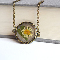 Real Flower Resin Necklace. Daisy Leaf Necklace. Plant in Resin Jewelry. Pressed Flower Jewelry