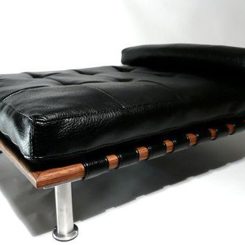 Modern Pet Bed daybed and lounger Small Dog Bed / Cat by ModPet