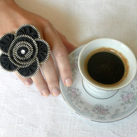 Black flower ring zipper design Ring is adjustable by ZipperDesign