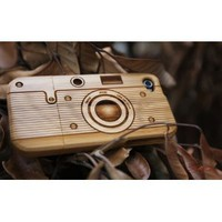 [MADE FROM RAW WOOD] Bamboo Case for iPhone 4/4S (Camera) by SigniCASE