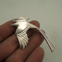 magpie pin by Michaeltatom on Etsy