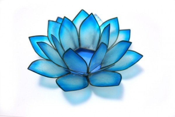 Capiz Shell Cool Water Lotus Tea Light (Philippines) | Overstock.com