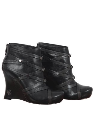 Oxygen | House of Harlow Shoes Ava Black Wedges