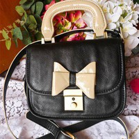 Bow-tiful Leather Bag in Noir - Retro, Indie and Unique Fashion