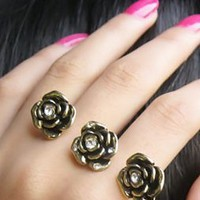 $5.99  Vintage Double Fingers Three Rhinestone Flower Ring at online vintage jewelry store Gofavor