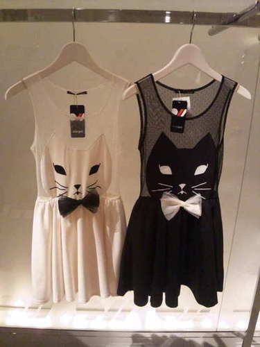 One Spo Kitty Dress
