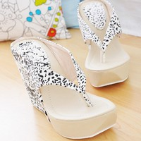 Wholesale Fashion Leopard Leather Wedge High-Heeled Clip Slipper White