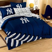 Amazon.com: MLB New York Yankees Twin/Full Sized Comforter with Shams: Sports & Outdoors