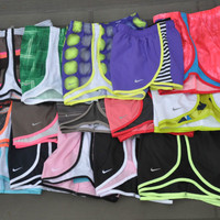 NIKE WOMEN&#x27;S SHORTS TEMP...