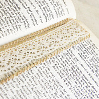 Vintage lace bookmark  upcycled vintage shubby by TomBjornDesigns