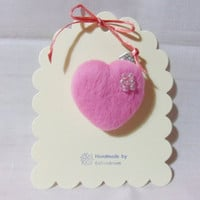 needle felted brooch - pink  heart brooch with beads - 100% Merino Wool - Valentine's gift