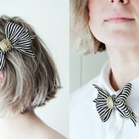 Black and White Ribbon bow with a vintage button with by pardes