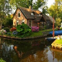 Canal cottage, The Netherlands