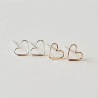Pretty Heart Stud Earrings (Gold or Silver)