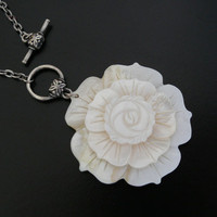 Bridal Necklace Mother of Pearl Flower Wedding by skaior on Etsy