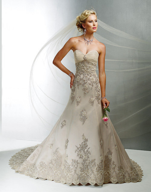 2012 Maggie Sottero Bridal - Antique Gold Tulle Embroidered Sweetheart Vogue Royale Wedding Gown - 0 - 28 - Unique Vintage - Cocktail, Evening  Pinup Dresses