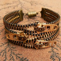 Uno Dos Tres Steampunk Bracelet - Z.. on Luulla
