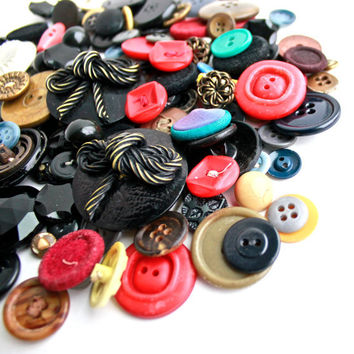Vintage Button Lot - Collection of Colorful Buttons - Glass, Lucite, Metal, Bakelite, Bone / Button Findings