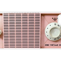 iPhone 4/4s Case - 1VintageSoul Pink Radio