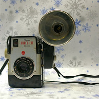 Vintage Kodak Brownie BullsEye Bakelite Camera by CanemahStudios