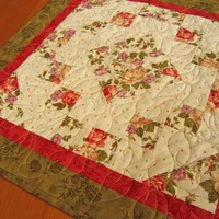 Quilted Table Topper Roses Centerpiece