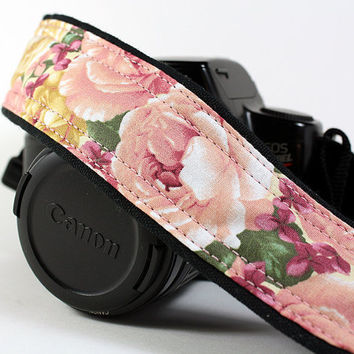 Vintage Roses dSLR Camera Strap, Pink and Gold Roses, SLR