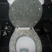 My obsession with shiny things! / I WILL have a glittered toilet seat one day!!