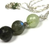 Green Stone Pendant Necklace - leafandtendril.com