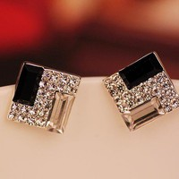 Fashion White And Black Rhinestone .. on Luulla
