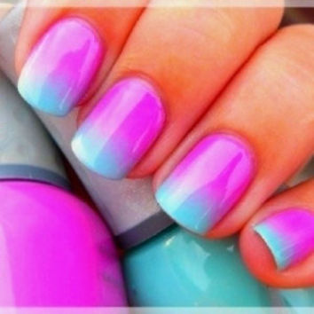 Fashion Painted Acrylic Nails