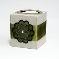 Green and neutral refillable tissue box home by SuziesImaginarium
