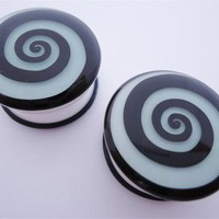 Spiral Glow In Dark Plugs (2 gauge - 1 inch)