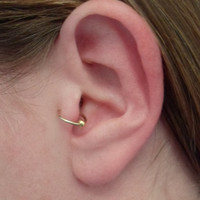 Simple loop Ear cuff, Gold Filled 14 k with bead, Tragus, helix. Cartilage, fake piercing. No Pierced ear cuff. Hypoallergenic.