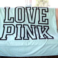 VICTORIA'S SECRET TEAL PINK STADIUM BLANKET <3